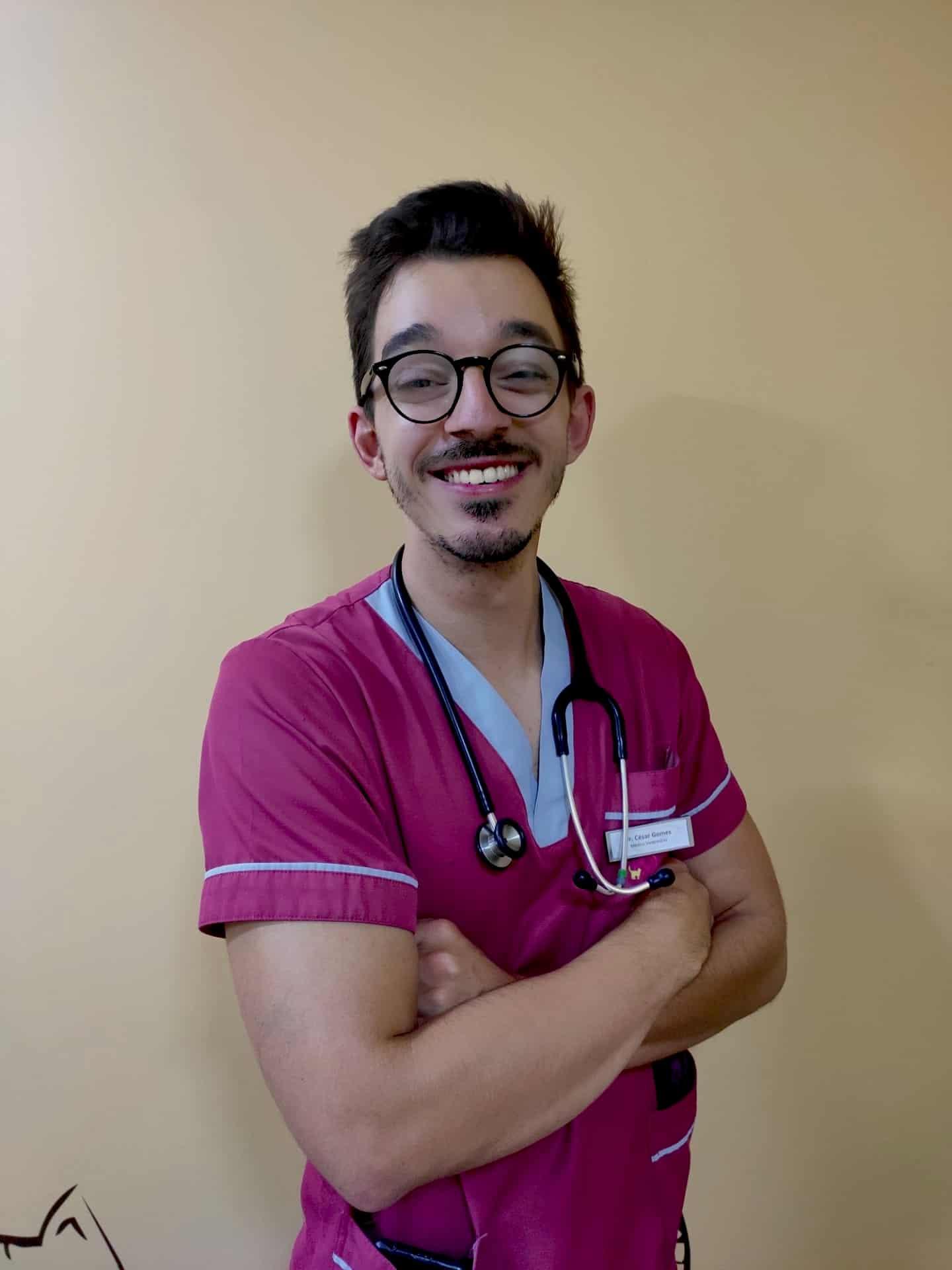 César médico veterinário